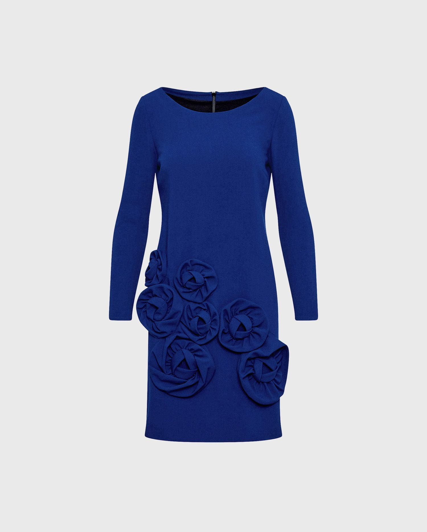 Both elegant and statement making the LAVONNA - ULTRA blue cocktail dress will make sure your arrival in style.
